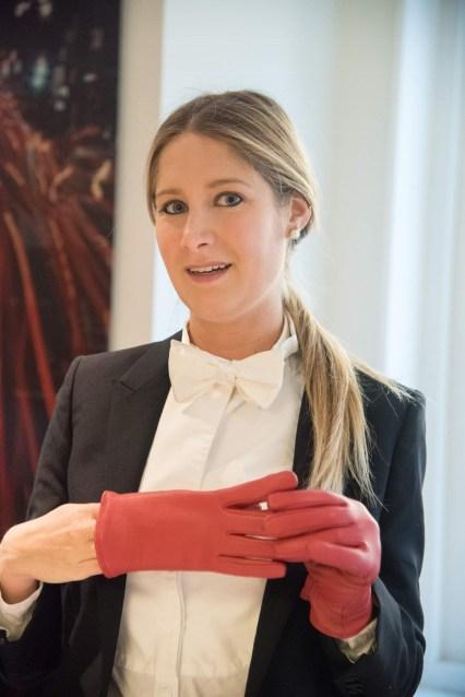 sam red gloves indoors 3