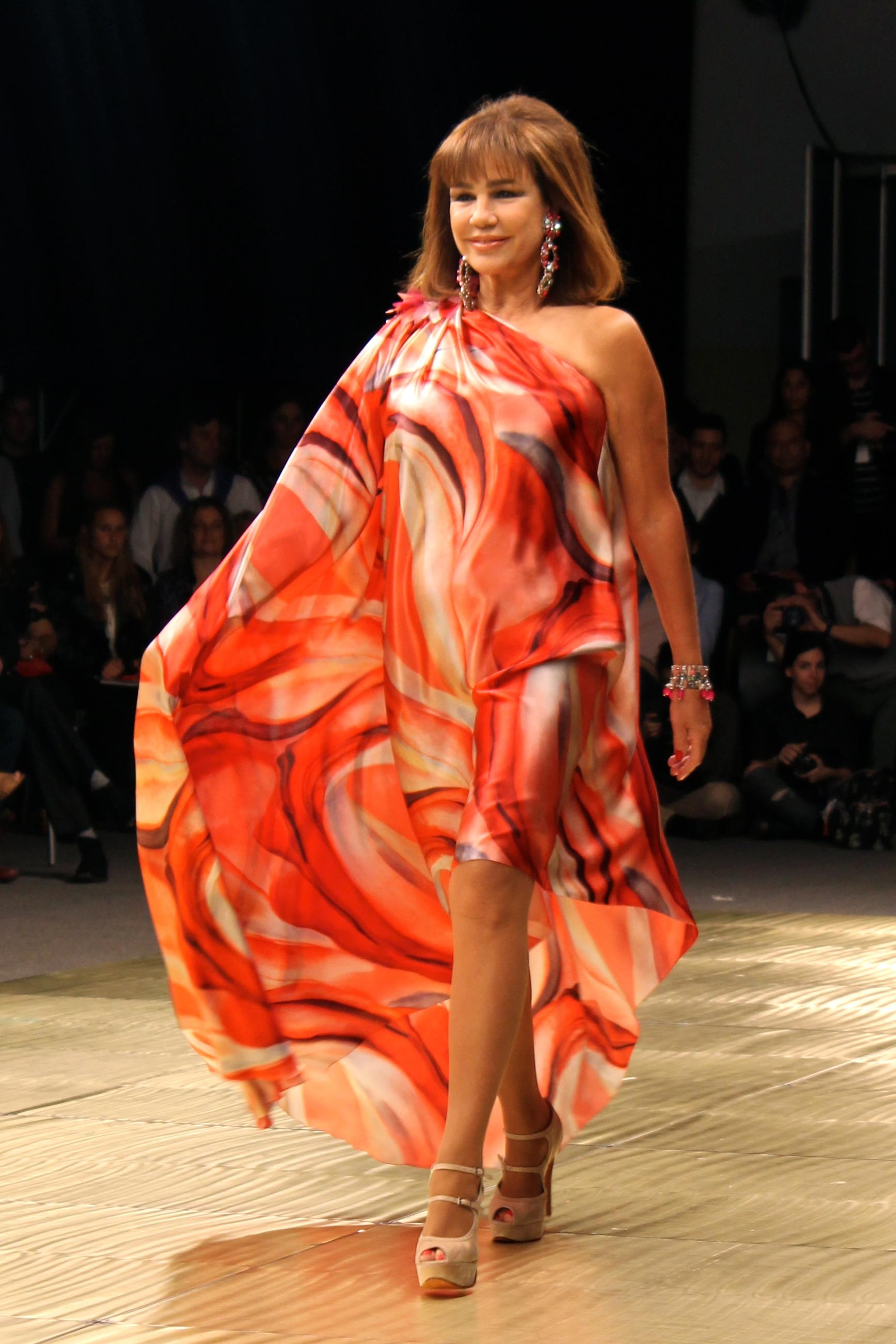 Vestidos Rosas Fundacin FUCA En BAAM Dia 7 Trendy Jungle