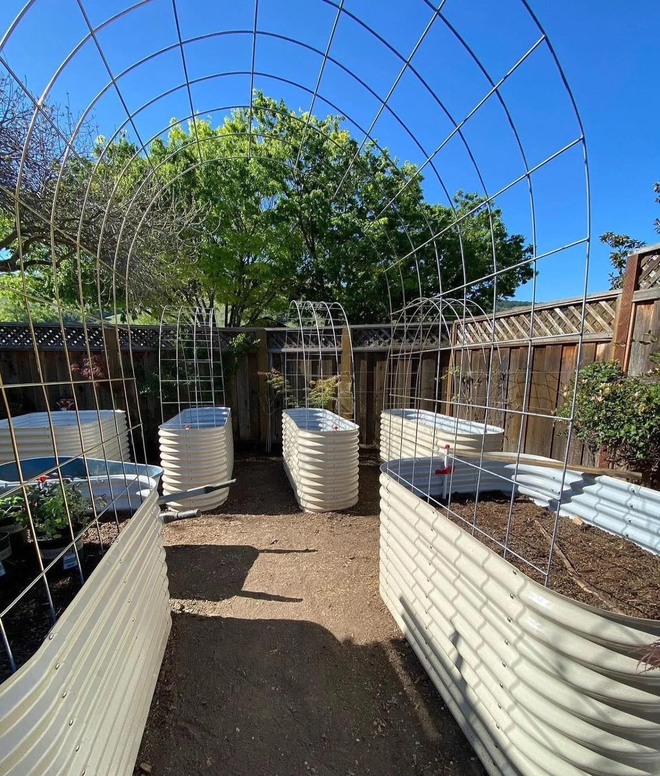Metal Raised Garden Beds: Benefits and Installment Tips 2021