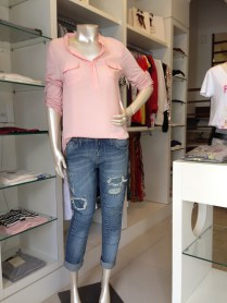 Trendy Store_calça boyfriend Jeanseria lavagem clara