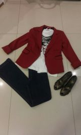 Trendy Store_Blazer bordô com t-shirt e maxi colar em couro