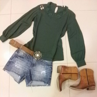 Trendy Store_Blusa gola anos 60 + shorts jeans