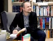 Podczas podpisywania książki
