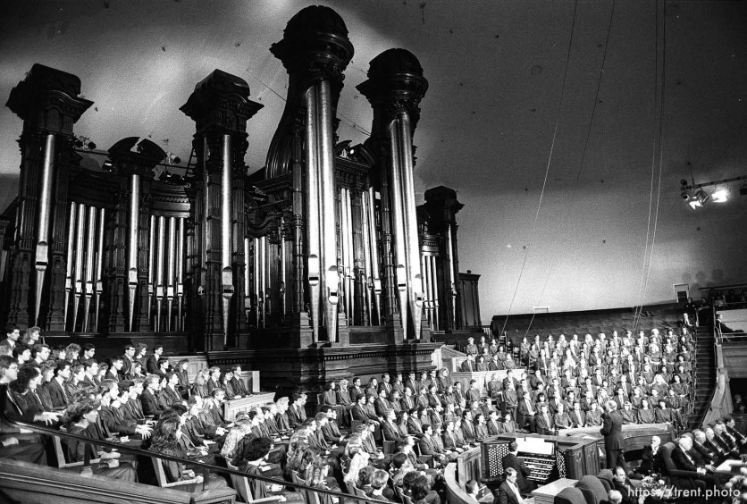 The Mormon Tabernacle Choir at LDS General Conference.