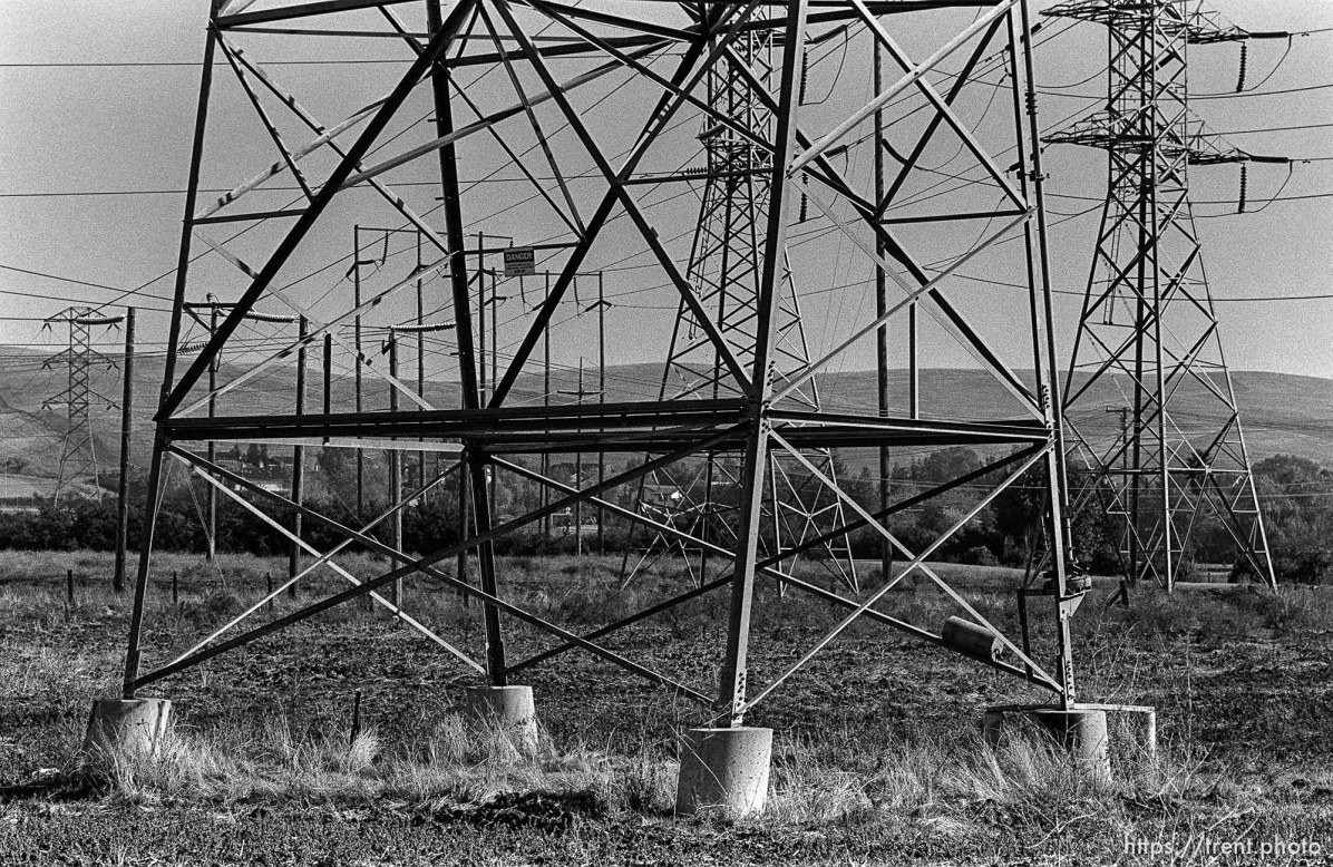 Powerlines. San Ramon project