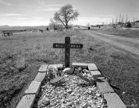 """Grave labelled """"Big Deal"""" in Eureka graveyard"""