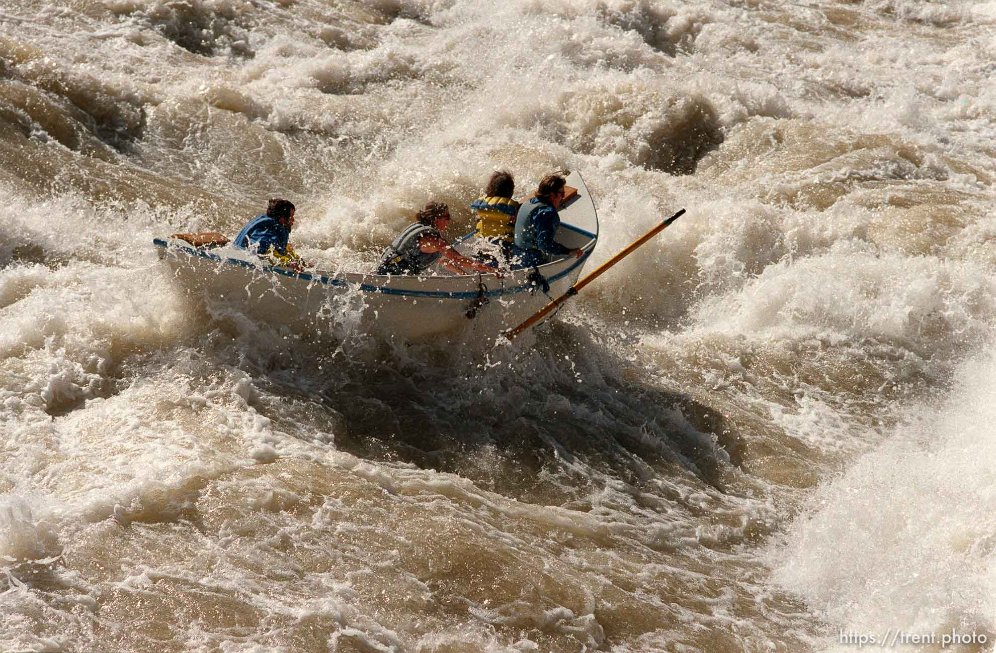 Dory pilot loses grip on oar in Lava Falls Rapid. Grand Canyon flood trip.