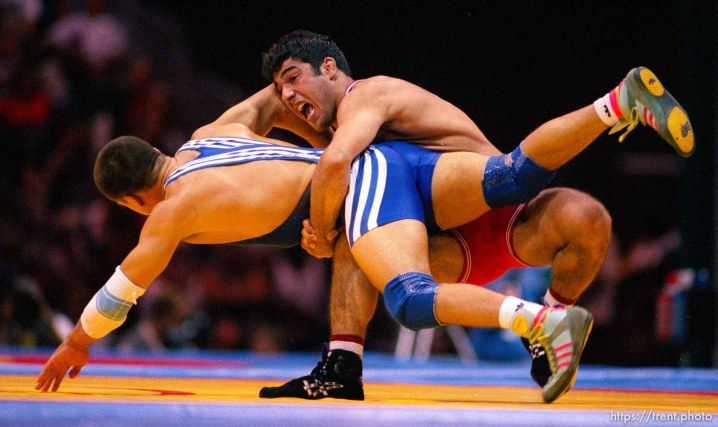 Wrestling at the 1996 Summer Olympic Games. Blue: Thomas Zander (GERMANY). Red: Hamza Yerlikaya (TURKEY)