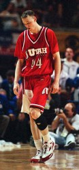 Keith Van Horn walks off the court for the last time as a Ute at Utah vs Kentucky, NCAA Tournament