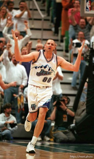 Greg Ostertag pumps up the crowd at Utah Jazz vs. Houston Rockets, game 5 of the 1st round, NBA Playoffs. Jazz won.