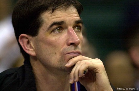 John Stockton as the Utah Jazz face the Dallas Mavericks in game four of their first round playoff series, in Dallas Tuesday. 05/01/2001