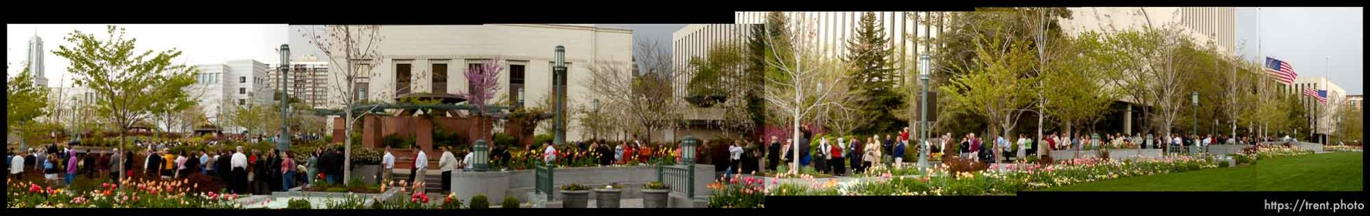 The line for the viewing of Marjorie Hinckley, wife of LDS President Gordon B. Hinckley.