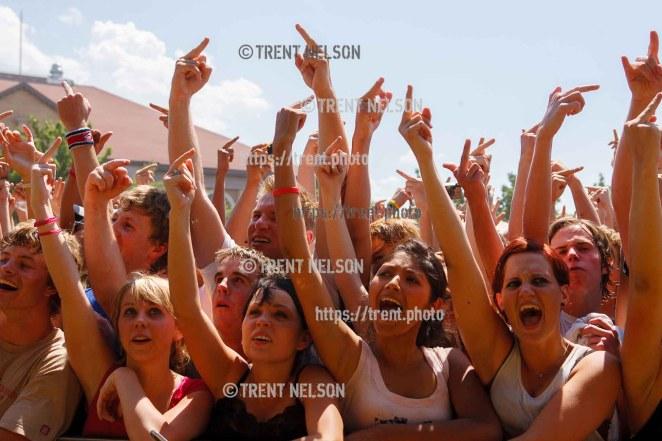 fans. Fallout Boy, Vans Warped Tour, Fairgrounds; 7.16.2005