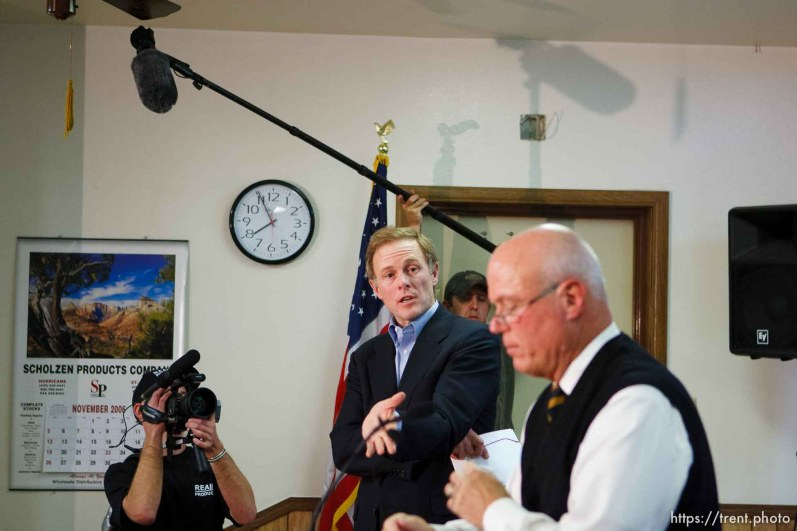 Hildale - Special Fiduciary Bruce Wisan (right) with his attorney Jeff Shields (center) addressed residents of Hildale, UT and Colorado City, AZ, providing details on the United Effort Plan (UEP) property trust at a meeting held at the Hildale City Hall.