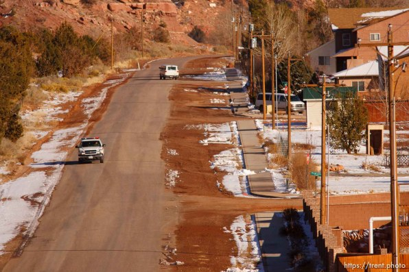 """Hildale - Washington County Sheriff Deputy Darrell Cashin patrolling Hildale, Utah. Cashin was assigned to the FLDS town of Hildale, Utah in November. On making inroads into the closed community, Cashin said, """"It's going to take time. They need to see that they can trust me."""".. for FLDS Hildale/Colorado City Town Marshal story; 12.20.2006"""