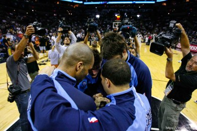 robert johnson, pregame huddle. Utah Jazz center Mehmet Okur (13). San Antonio - Utah Jazz vs. San Antonio Spurs, NBA basketball, Western Conference Finals Game One. 5.20.2007