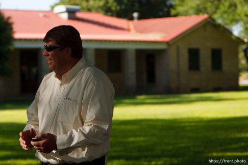 Eldorado - at the Schleicher County Courthouse Tuesday, July 22, 2008, where a grand jury met to hear evidence of possible crimes involving FLDS church members from the YFZ ranch. willie jessop