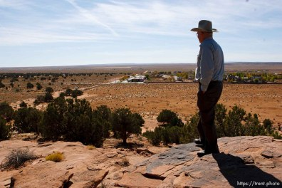 Colorado City - Dan Barlow talks about his experiences in the 1953 raid, at the spot on Berry Knoll where he was a lookout, Friday October 24, 2008.