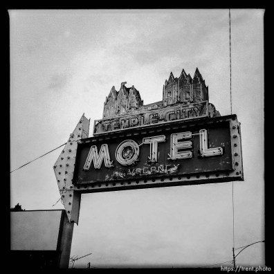temple city motel sign. south state project.