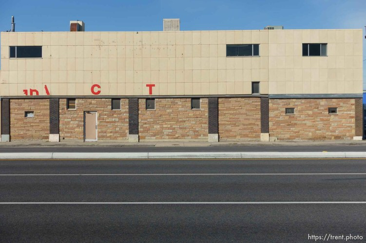 old fuji color building, state street photo walk, Friday October 16, 2015.