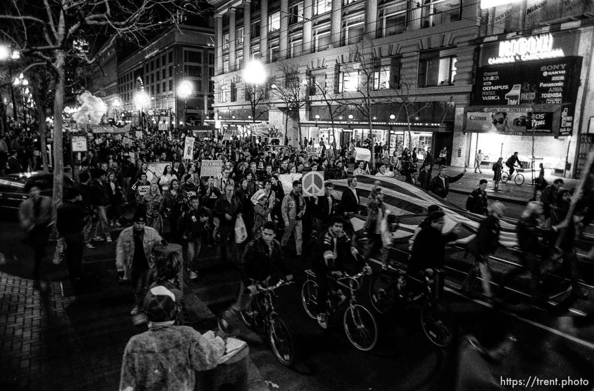 March down Market Street at Gulf War protest