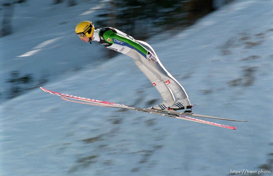 Austria's Wolfgang Loitzl sets a hill record with a 134 meter jump at the FIS World-Cup Ski-Jumping Individual K120 competition.