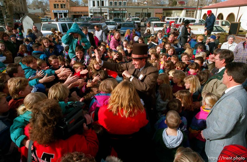 Utah Governor Mike Leavitt greats kids in Milford during the Governor's Centennial Train trip