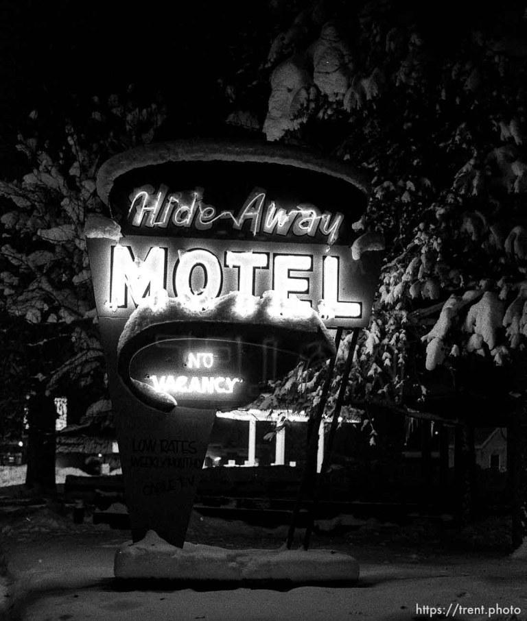 Hide Away Motel