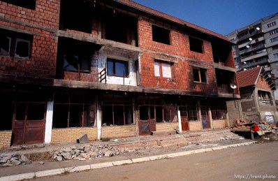 Destruction in the Serbian enclave, Suvi Do.