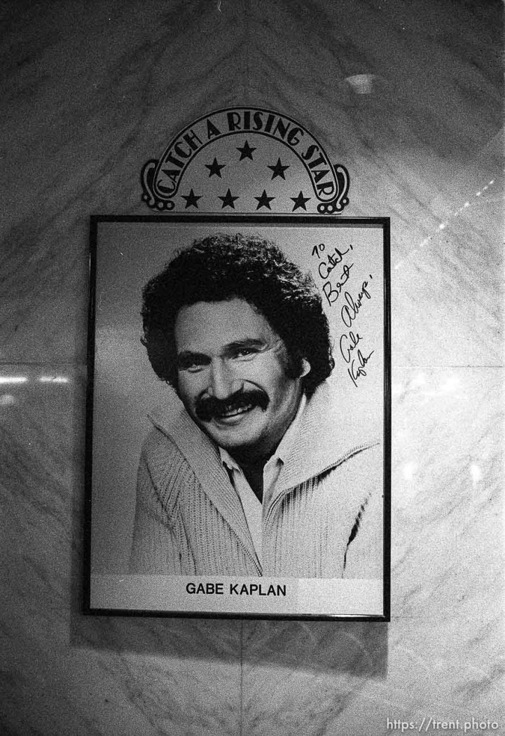 Gabe Kaplan greeter sign at Bally's casino.