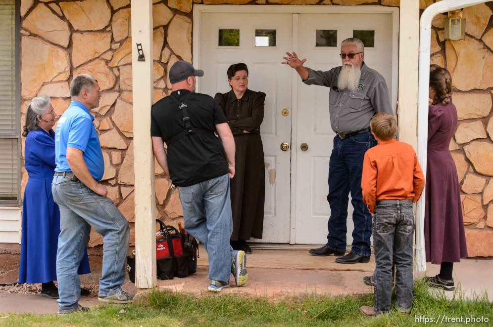 Trent Nelson   The Salt Lake Tribune Mohave County Constable Mike Hoggard orders an FLDS woman and her children off the property as he evicts her from her home in Colorado City, AZ, Tuesday May 9, 2017.