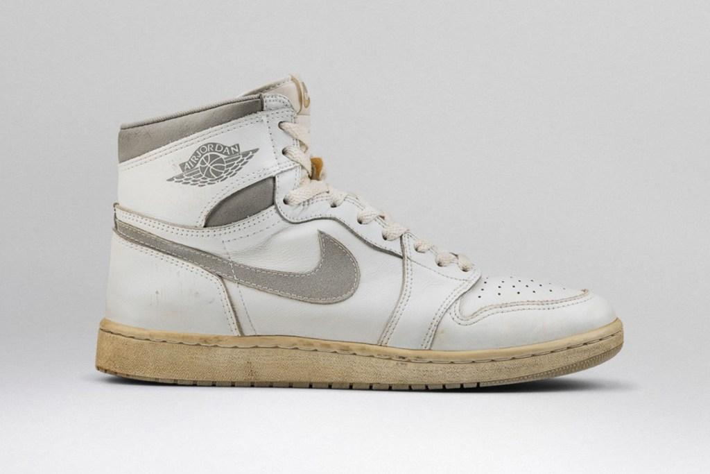 Air Jordan 1 OG Natural Grey
