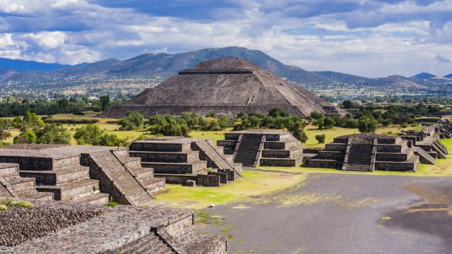 pyramids-in-latin-america-gettyimages-1137939493
