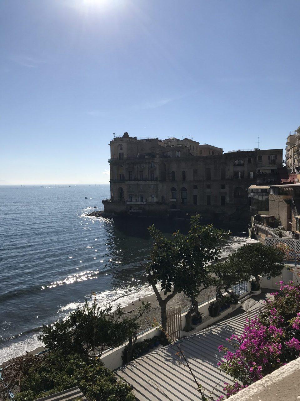 Palazzo Donn'Anna, Posillipo