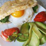 IMG 20190831 170210 - Cocina con #MamaKeto: muffins de huevo con tomate y espinacas