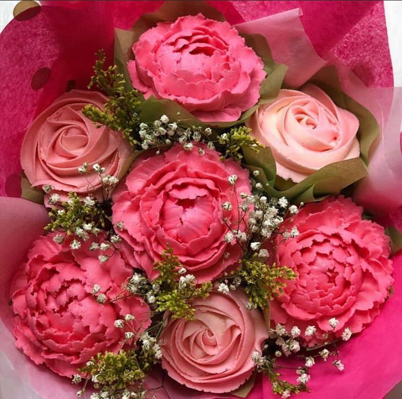 Premium Flower Cupcake Bouquet