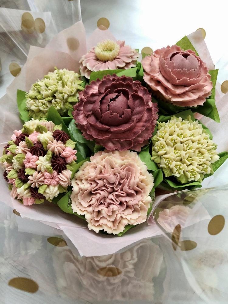 custom floral bouquet cupcakes pennsylvania