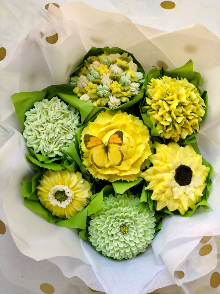 green floral cupcake bouquet