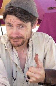 Hugues-mircea Paillet vous encourage avec TresVie à vous découvrir à travers la vannerie d'osier.