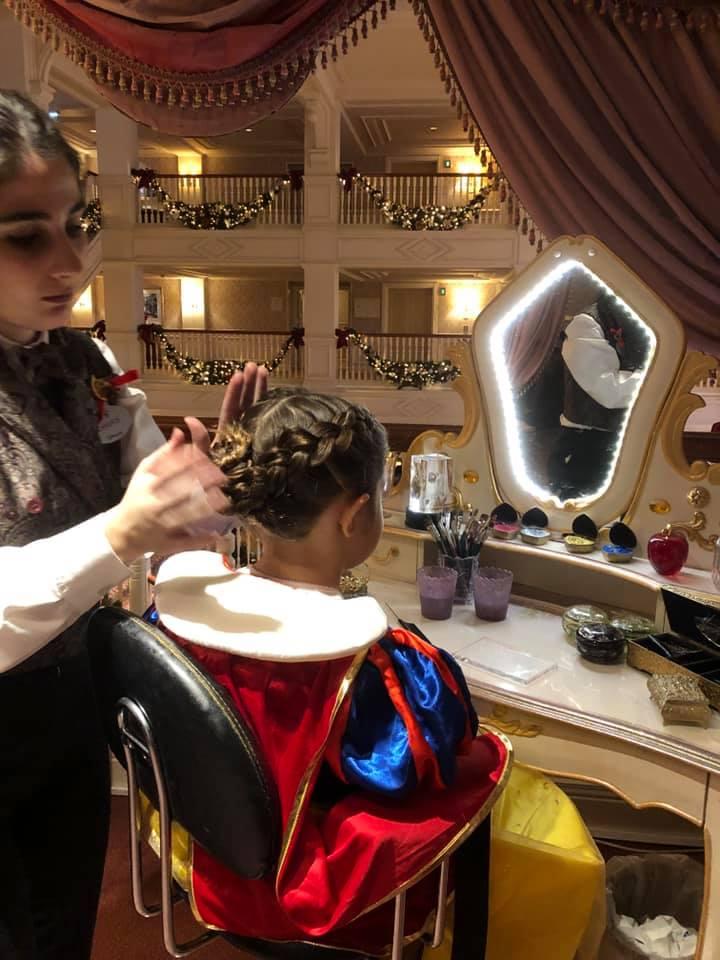 Nell'ala magica del Disneyland Hotel ogni bambina può trasformarsi in una bellissima principessa.