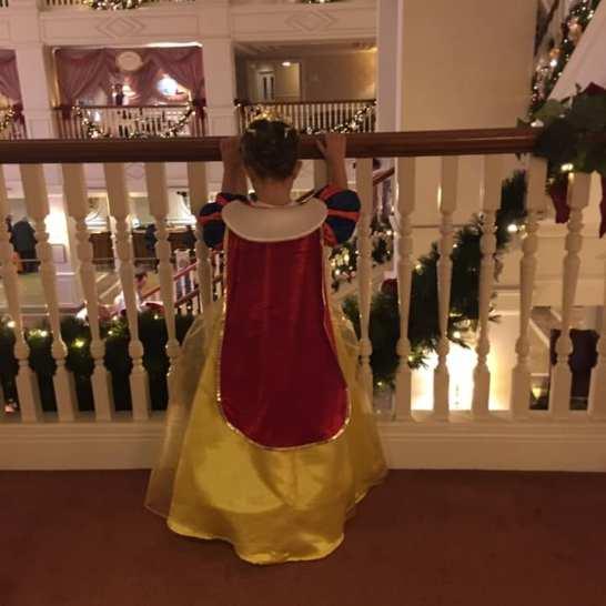 Disney hotel, dormire a disneyland, viaggio con bambini, trevaligie