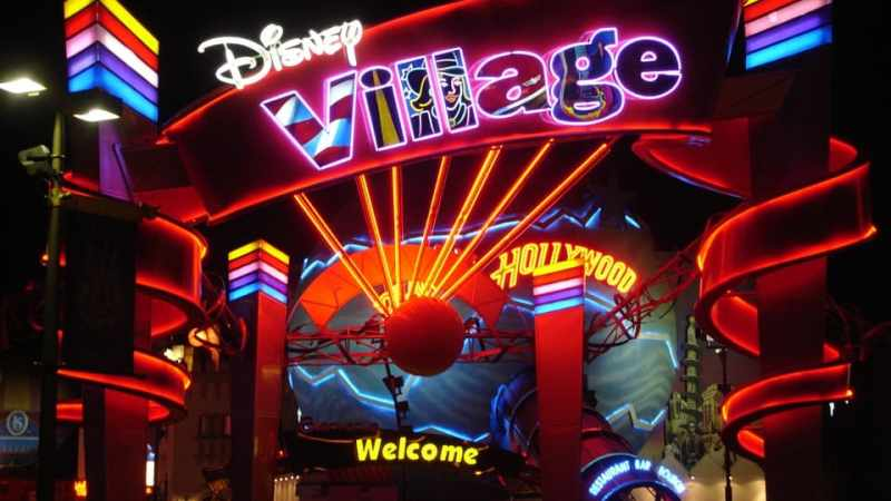 Disneyland Paris. Divertimento no stop al Disney Village.
