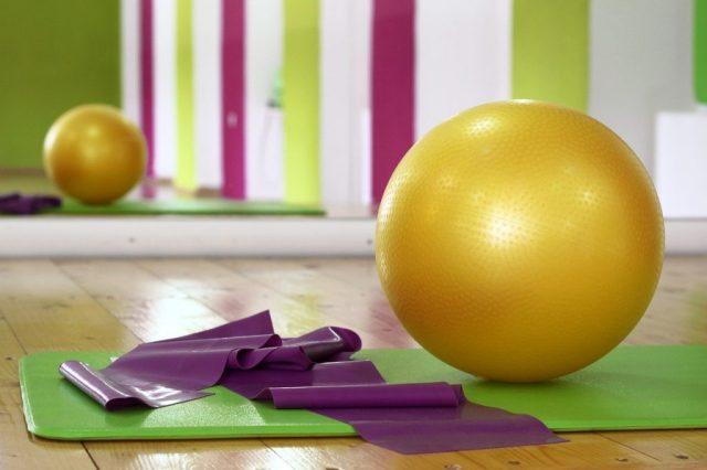 Pilates a casa, allenarsi in quarantena, trevaligie