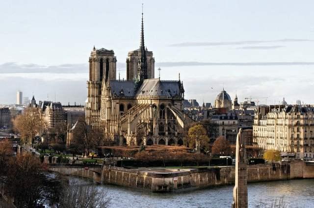 Notre dame de Paris, Parigi nei film, trevaligie