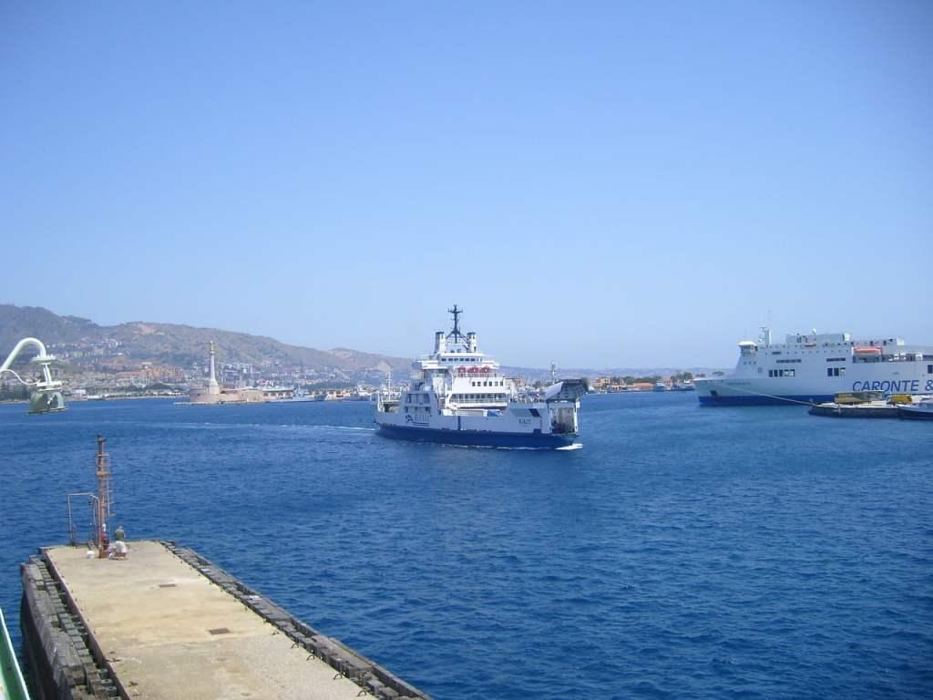 traghetti per la sicilia, calabria-sicilia, sicilia on the road, trevaligie