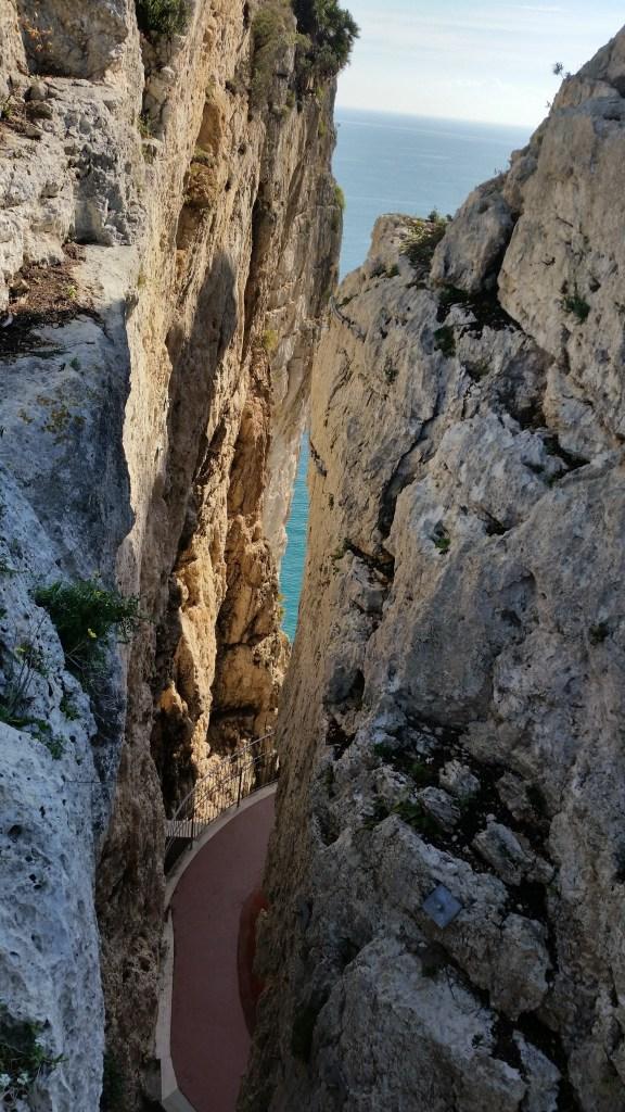 La montagna spaccata a Gaeta, trevaligie