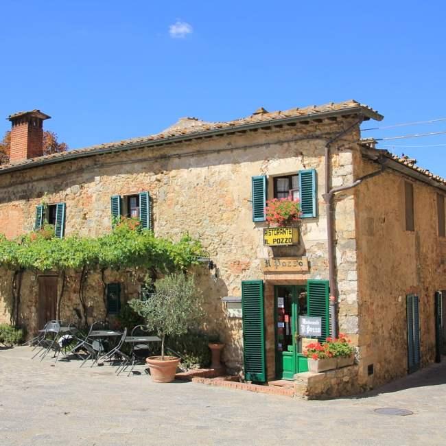 Per coinvolgere i bambini nella visita a Monteriggioni si possono raccontare loro le leggende del posto, fatte di fantasmi e cavalieri.