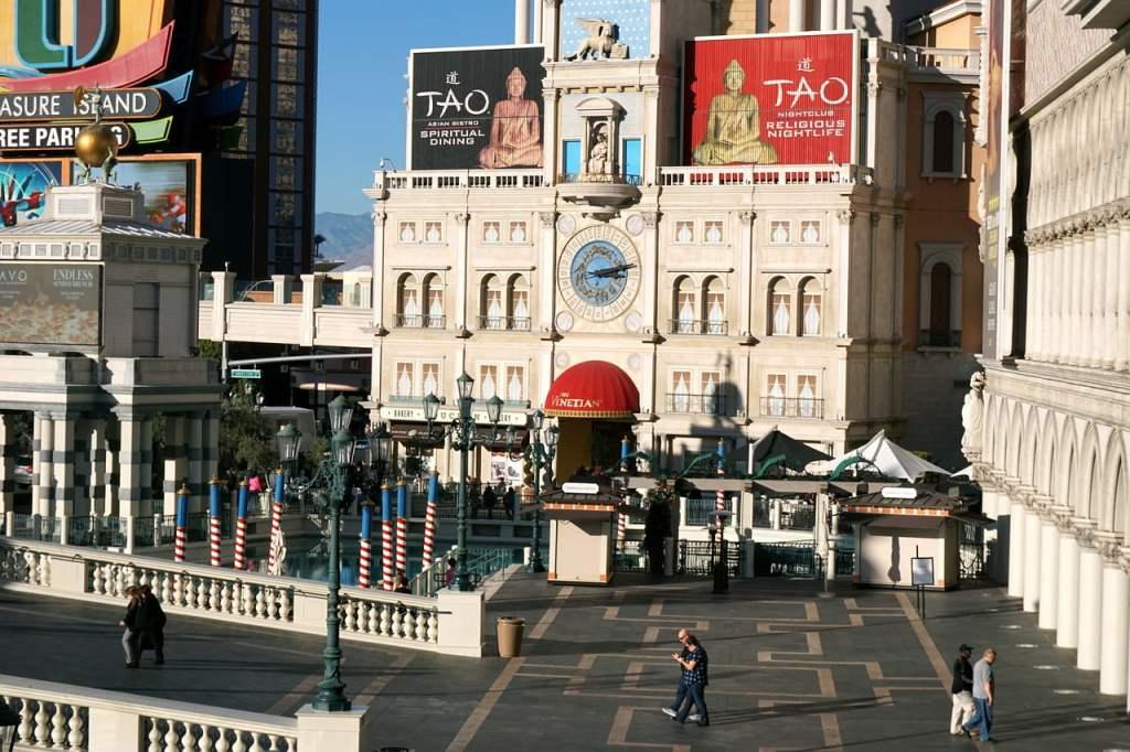 All'Hotel Venetian sono tanti i locali e i casinò in cui perdersi tra slot, musica dal vivo, spettacoli e drinks!