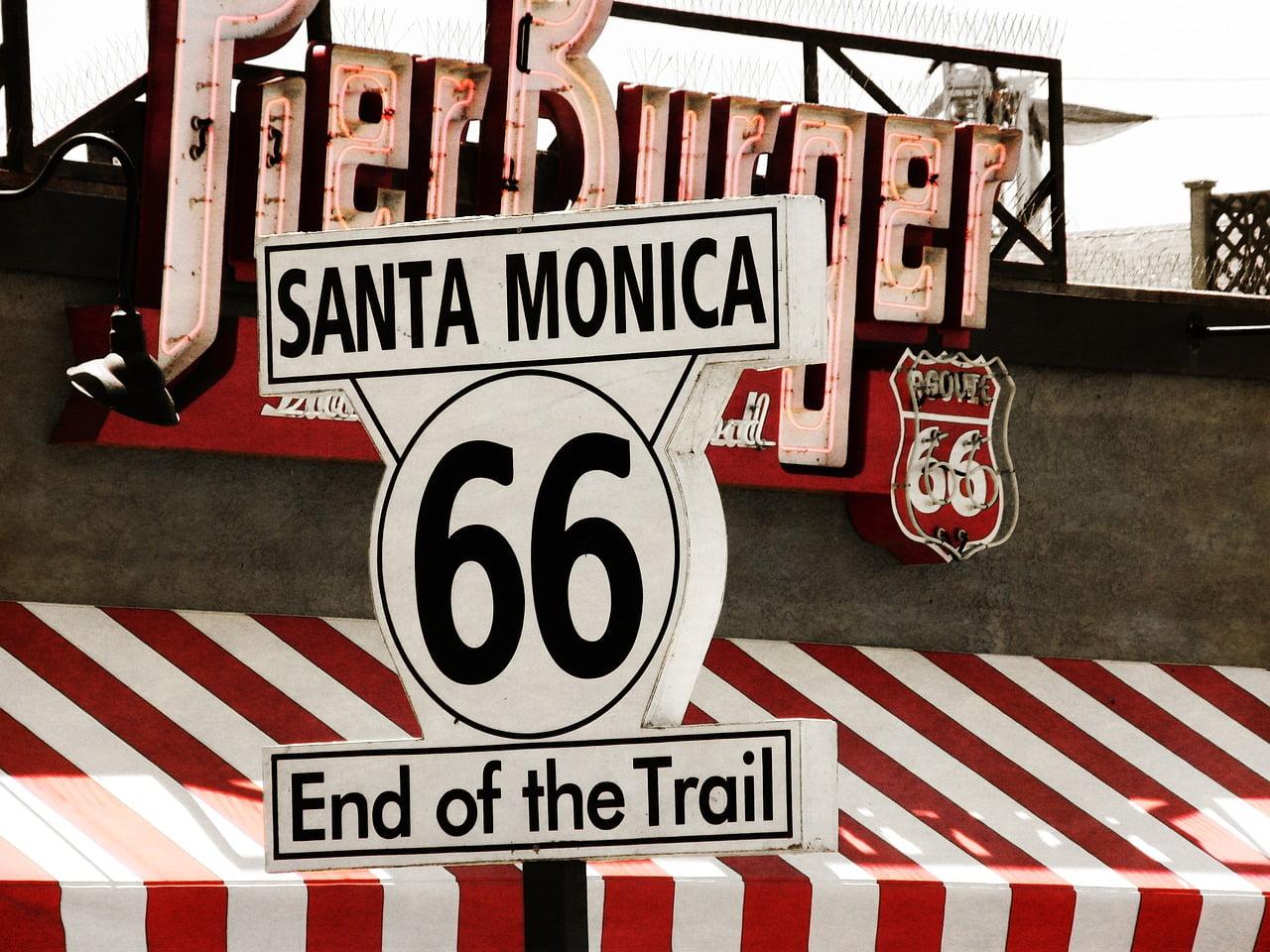 Il molo di Santa Monica. l'iconico pier della costa californiana che segna la fine della Route 66.