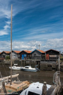 Boats and shacks in the Ports Ostrecp;es mear Archachon.